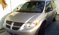 Chrysler Voyage2001 En buen estado, buena transmision, 6 cilindros, buen motor.