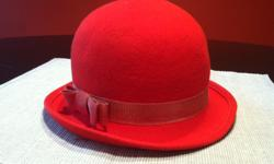 Beautiful women's hats from the '60s, '70s and '80s in excellent condition. All13 are felt, average size, various colors. You'll love them all and get complimented every time you wear one. Add to your collection! Or help your