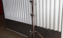 CYMBAL STAND* Super High Quality, Super Heavy Duty (NEW! Never Used!) Comparable To DW (Drum Workshop) Brand 9000Series Model 9710 Which Retails For $125!.This High Quality REMO DynaMax Cymbal Stand Features Heavy Gauge Triple Braced Construction