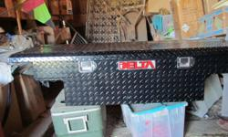 Delta cross over tool box for sale. Low profile - color is black - like new condition - used for a couple of months. New sales for $349.00 - now only $250.00 or make me a reasonable offer. Phone or e-mail gets a same day reply.