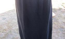 Designs and Co charcoal gray skirt in fantastic condition. Size is 22/24.
