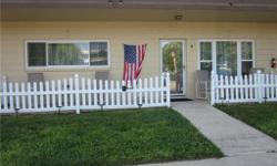 WHITE PVC FENCE - APPROX 35 fT - 10 POSTS