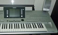 The Tyros3 features the highest quality synthesizer Keyboard Yamaha has ever made: the FSX keyboard. Physically, the keys are of high-precision manufacture and offer greater durability than conventional models. Most importantly, however, the keyboard has