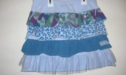 Girls Skirt, size 10 yrs, excellent condition,brand is naartjie kidsmachine washable. CASH ONLY