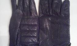 Motor harley-davidson female leather gloves size small selling 9am - 6pmno shipping cash only, $35 firm