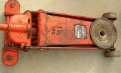 Antique Floor Jack can't find them any More asking $95 Call 323 335 6759 No Test thanks