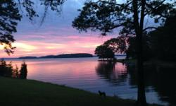 Lake Front Home - Lake Norman Huntersville, NC  Minutes to Birkdale Village and I-77 House located 5 minutes off I-77 and Exit 25 Private Bedroom and Bathroom Furnished