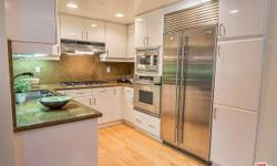 This beautiful Santa Monica condo has two bedrooms, two bathrooms, and an open floor plan. Ideally located a block to the promenade and farmers market, and four blocks to the beach! Has hardwood floors, stainless steel appliances, marble baths, and