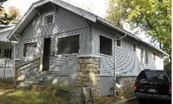 5325 Park Ave, Kansas City, MO 64130 Listing Price: $7,500.00 Built in: 1925 Square Feet: 820 Bedrooms: 2.0 Bathrooms: 1.0 Taxes Half: $143.50 Garage Details: Driveway Basement Details: Unfinished Fireplace Details: Decorative Patio Deck Details: Screened