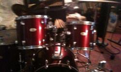 I CLOSE DOWN MY STUDIO ,I'M SELLING LOTS OF GUITARS, DRUMS MICROPHONS AND amps,speakers and MORE CALL ME AT 256-3552226