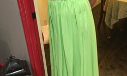 Beautiful promdress, never worn. Cash only deal. Text 406-431-4059.