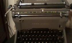 1939 underwood machine typewriter nice shape actual photos posted but this same machine can be seen @ http://mytypewriter.com/underwoodmasterc1939.aspx for 1,295 we will sell for 400.00 or trades of equal value** tvs,electronics,power tools etc. make