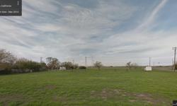 ONE ACRE PASTURE FOR RENT 5 MILES TO DOWNTOWN SACRAMENTO. NO WATER BUT IT CAN BE BORROWED FROM NEIGHBORS