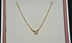 Pandora necklcae is made in 18kt rose gold & features pave-set genuine white diamonds with a combined weight of .07 ct. This necklace measures 45cm or 17.9 inches in lenght, and is part of a Special Pandora LOVE PODS matching series. This necklace