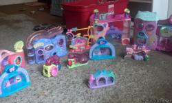 Pet Shop accessories. All in excellent condition. Well over $ 150.00 new.