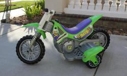 Your little one will LOVE these wheels! Excellent condition!