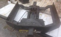 DMI hitch Extends and swivels side to side for easy hookup Ideal for horses or livestock