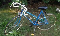 raleigh nottingham england bicycle In amazing condition ! Breaks are great tires are new , not one thing wrong with it. This brand of bike is vintage and goes for a lot on eBay. I'm 5'.6 and it fits me just right the seat can be put up much higher if need