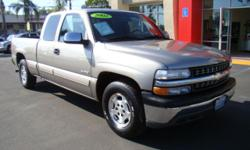 For the person who needs a fully functional truck that can handle whatever work needs to be done plus still have plenty of room for the family, this Silverado is the answer! You've got comfortable seating for 6, power doors and windows for convenience,
