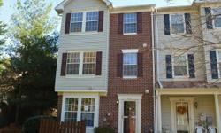 Room for rent. Lorton, VA. $750+utilities split 3 ways. 3 bedroom townhome!