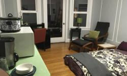 Enjoy your self in our newly renovated room for rent in the beautiful city , santa monica . The room is completely furnished.just a few blocks to all the city activities, restaurants and shopping. Professionally decorated and designed with high-end