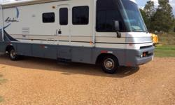 1998 Winnebago adventure gas engine 45000 miles everything works onan generator new tire run great can email more picture must sale any question please call
