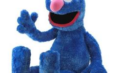 Cookie Monster takes on a role as ?cookie cop? in his bright blue NYPD uniform! Huggable plush figurine is destined to be the favorite of any young Sesame Street fan. Specification Weight: 0.4 lbs. 13? x 5? x 13? high. there