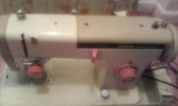 PORTABLE SEWING MACHINE EXCELLENT CONDITION ( BROTHER BRAND ) WITH CASE COVER  $ 50