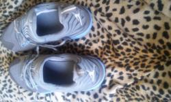 Blue and gray Jordan shoes size 9 in men's never siren brand new 40 dollars.