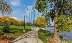 FOR SALE!Spectacular views from the 25th floor of the Riverhouse condos! This is the perfect side of the building to Ooo! and Ahhh! at the holiday fireworks right from the comfort of your own home. Enjoy life in this iconic residence high-rise