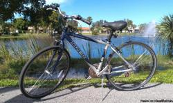 For sale this nice Trek 7000 Great condition. Very nice ride The bicycle is in west Palm Beach  Text or call (561) 790 5180