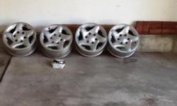 Four Toyota tacoma truck rims for 16 inch tires, good condition