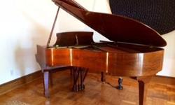 Part of the very limited STEINWAY CROWN JEWELS edition, this original handcrafted work of art features a golden brown walnut veneer in pristine shape (no faded line). As the smallest of concert grand piano, it offers remarkable depth and resonance