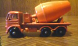 Vintage Matchbox/Lesney Foden Cement Mixer in good condition. I have others like this from the mid to late 60's. For more info please call1-207-337-0443. Thank You.