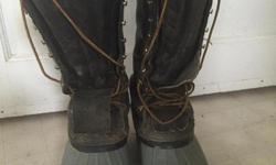 Heavy duty and waterproof caulk boots in great condition. Thinsulate liner in fair condition. Men's 7.5-8. Reasonable offers considered. Try them on....call 707-499-5181.
